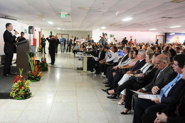 Foto: Reinserção de ex-dependentes químicos na sociedade é debatida no Mané Garrincha (agenciabrasilia.df.gov.br).