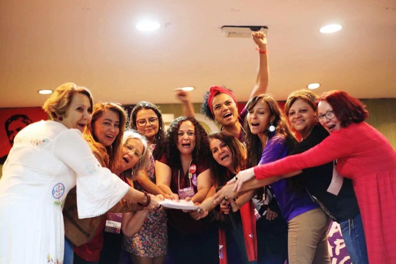 Foto: PT apresenta pré-candidaturas de mulheres e projeto Elas Por Elas no DF (pt.org.br).