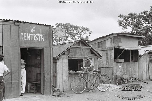 Dentista protético no Núcleo Bandeirante - Arquivo Público do Distrito Federal