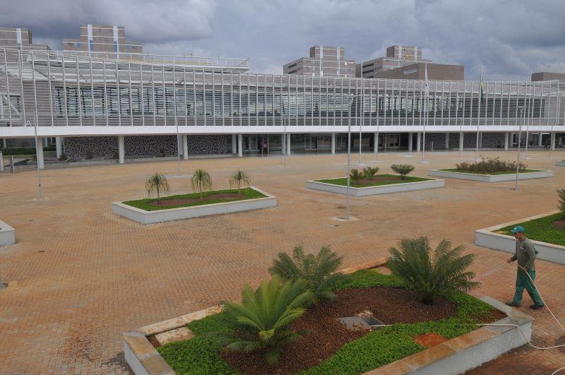 29/05/2015. Crédito: Minervino Junior/CB/D.A. Press. Brasil. Brasília - DF. Vista geral do Centro Administrativo do Governo do Distrito Federal - GDF em Taguatinga.