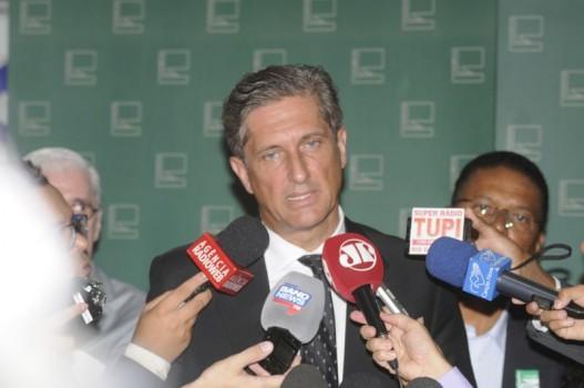PGR vai decidir se investiga atuação de Rosso na obra do estádio; deputado nega envolvimento