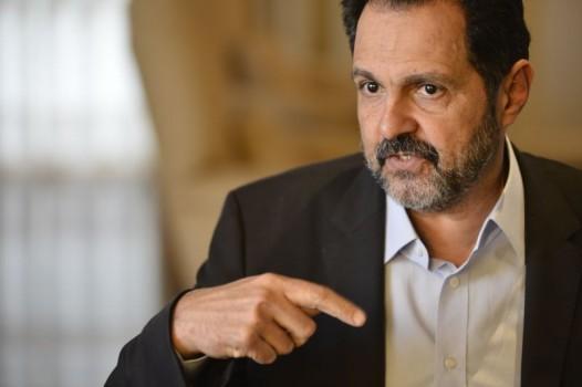 Agnelo Queiroz terá que pagar dívidas de campanha - improbidade