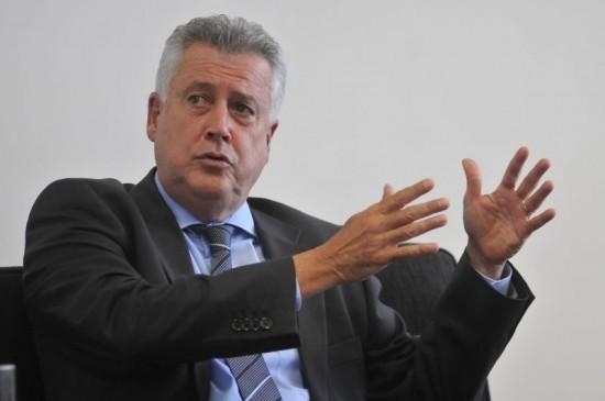 Rollemberg vai à justiça contra derrubada do reajuste