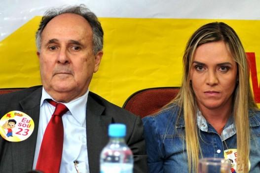 Cristovam Buarque e Celina Leão declaram oposição