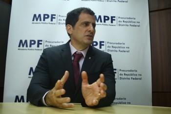 """""""Praticamente toda a cúpula do DF esteve envolvida com essas irregularidades"""", diz procurador da República"""