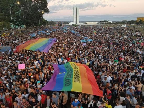 Lei contra homofobia