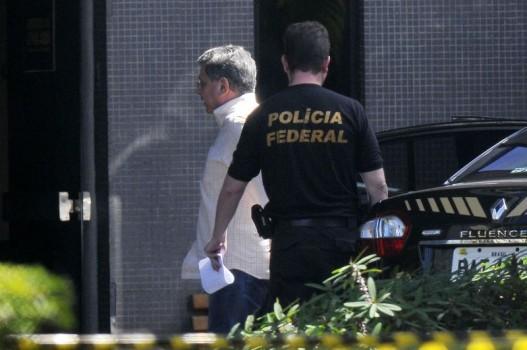#Operação Paratenaico prende ex-governadores do DF