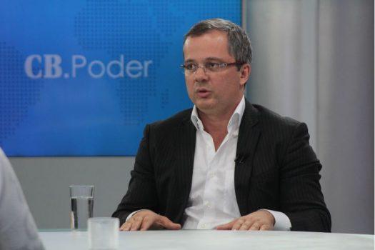 André Clemente anuncia corte de gastos