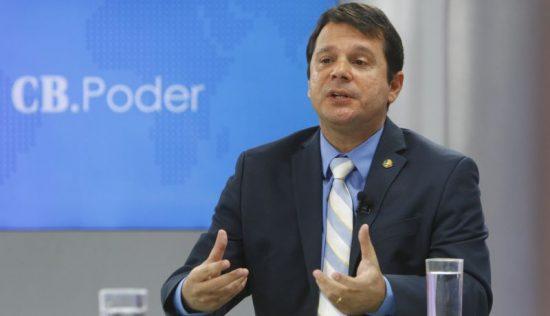 Brasil. Brasilia - DF. Cb Poder. Entrevista com o senador Jose Reguffe.