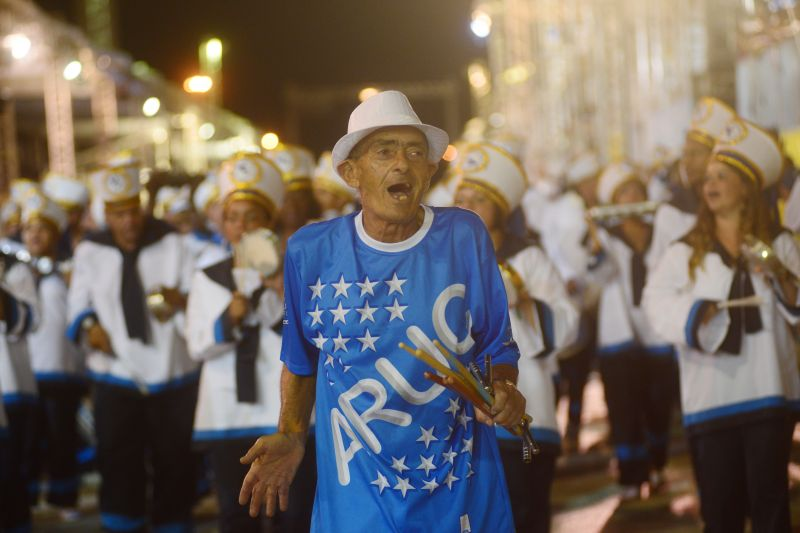Desfile da escola de samba Aruc do Cruzeiro, na Passarela da Alegria realizado no estacionamento do Ginásio Nilson Nelson
