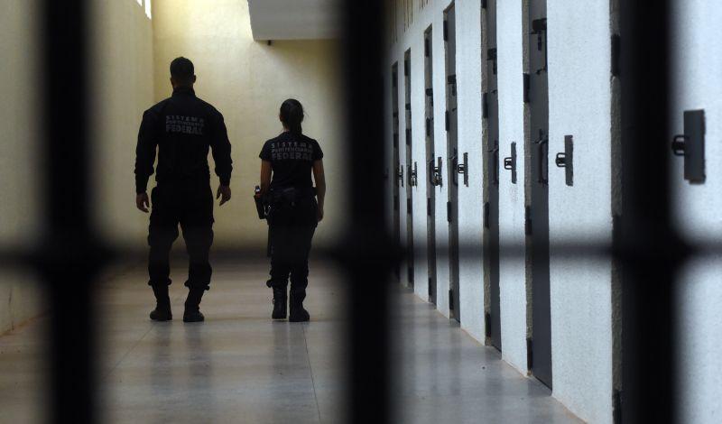 Visita no Departamento Penitenciario Federal. No complexo da Papuda
