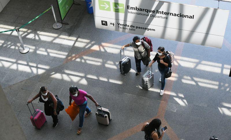 Aeroporto de Brasília máscaras coronavírusAeroporto de Brasília máscaras coronavírus