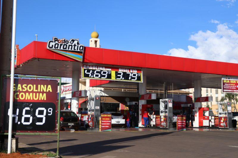 28% do preço da gasolina é de imposto distrital. Crédito: Arthur Menescal/Esp.CB/D.A. Press.