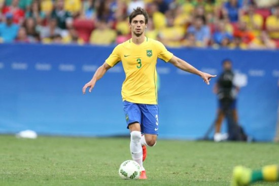 Rodrigo Caio menor O zagueiro Rodrigo Caio pode atuar como primeiro volante  na Seleção Foto  Mowa Press 588734f0574fc
