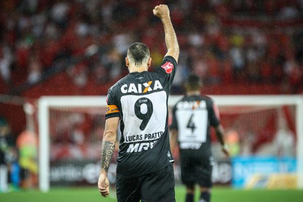 Lucas Pratto tem seis gols na Copa do Brasil, dois atrás de Marinho, do Vitória. Foto: Divulgação/Atletico-MG