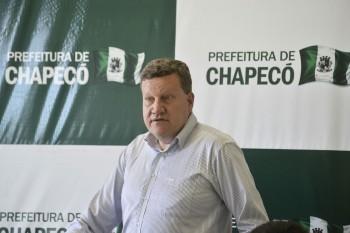 Prefeito de Chapecó anuncia modernização da Arena Condá e memorial das vítimas do acidente aéreo