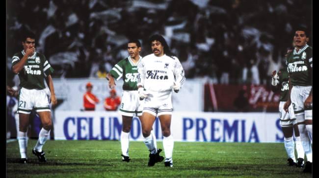 Herói do título do Atlético Nacional em 1989, Higuita pegou quatro cobranças de pênalti