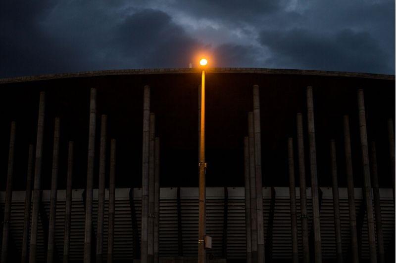 Mané seria autossuficiente em energia. Fla x Vasco teve apagão. Foto: Arthur Menescal/Esp.CB/D.A. Press