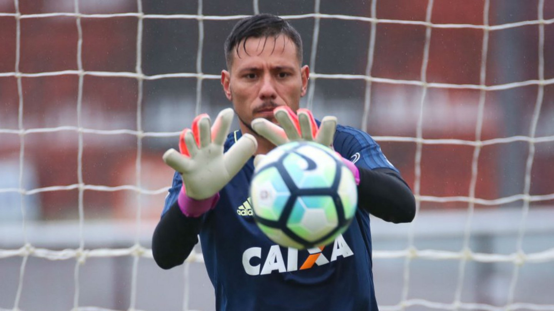 Diego Alves deve ser o titular contra a Chapecoense nesta quarta. Foto: Gilvan de Souza/Flamengo
