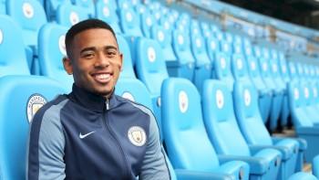 Entenda por que Gabriel Jesus já é maior do que Robinho na história do Manchester City