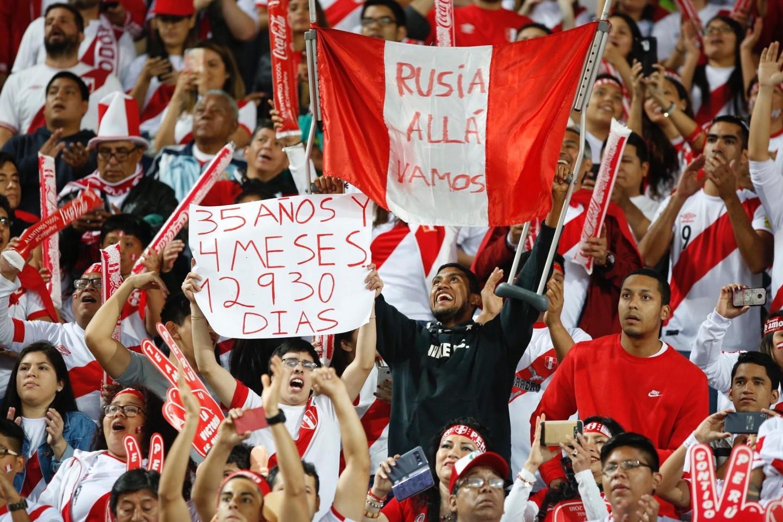 A torcida do Peru contou os dias de jejum da Copa. Foto: Twitter/Selección Peruana