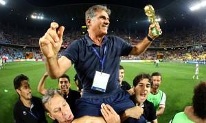 Festa para Carlos Queiroz, que classificou o Irã para a Copa pela segunda vez consecutiva