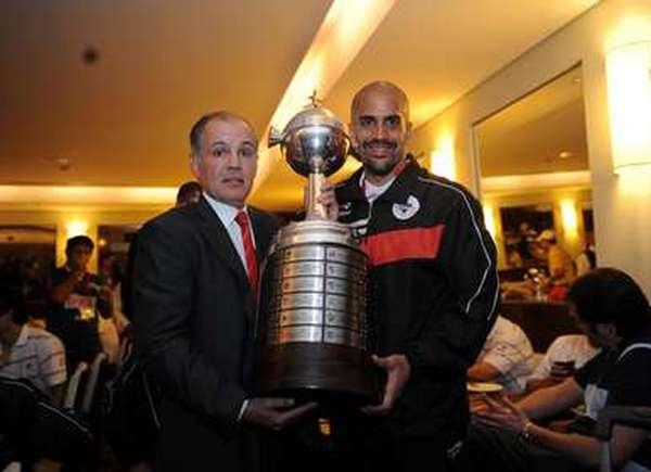 Alejandro Sabella: campeão da Libertadores em 2009. assumiu a Argentina em 2011. Foto: Estudiantes