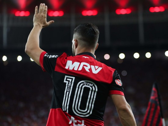 Diego 10 Diego é o camisa 10 do Flamengo na Libertadores. Foto  Gilvan de  Souza Flamengo Diego é o camisa 10 do Flamengo pela segunda Libertadores ... 687d743c0696c