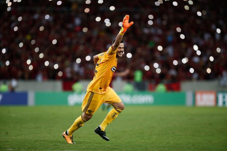 Julio Cesar: despedida com exibição de altíssimo nível no Maracanã. Foto: Gilvan de Souza/Flamengo