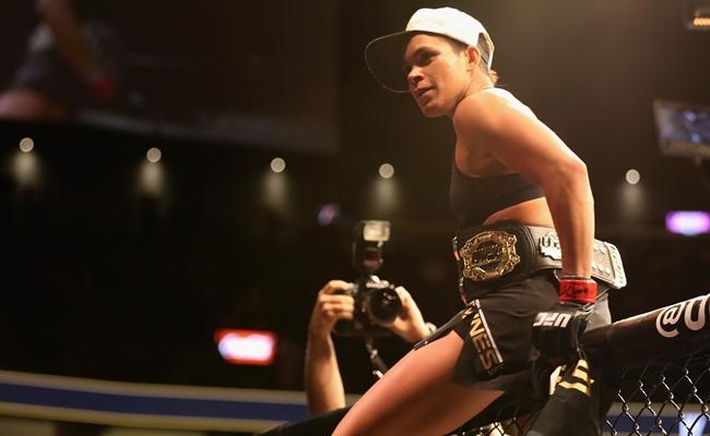 Amanda-Nunes-UFC-cinturão