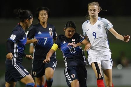 Ellie (de branco) jogou a Copa do Mundo Sub-17 ano passado / Foto: