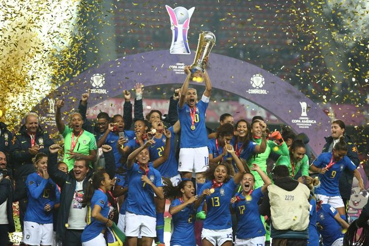Brasil é heptacampeão da Copa América de futebol feminino, no Chile
