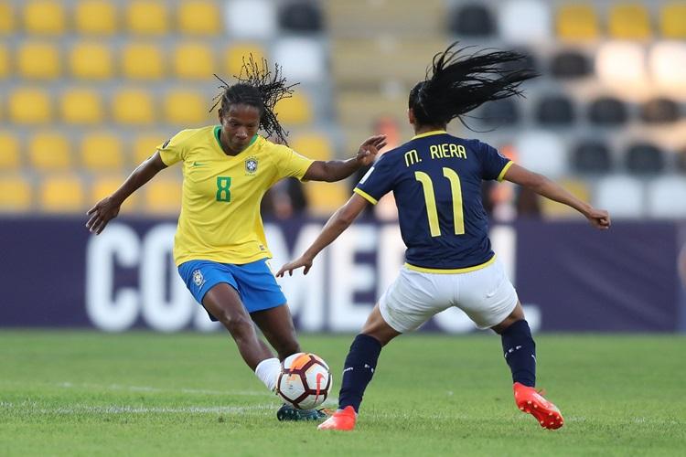 Formiga em goleada do Brasil por 8 x 0 contra o Equador na Copa América do Chile