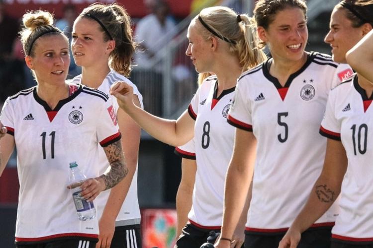 Alemanha na Copa do Mundo de 2015, no Canadá | Foto: AFP