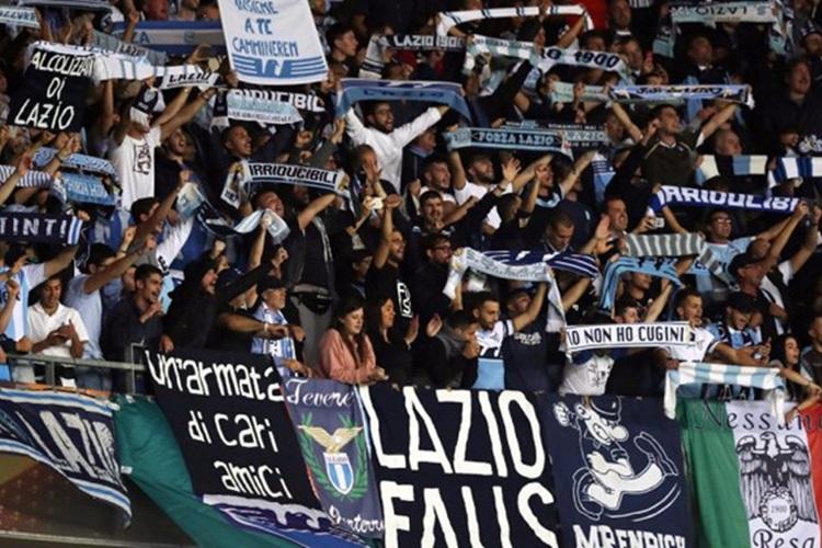 Torcida da Lazio veta mulheres em setor de destaque do estádio