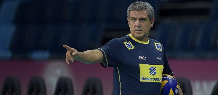 José Roberto Guimarães prepara as levantadoras Macris e Roberta para disputarem vaga nas Olimpíadas de Tóquio em 2020
