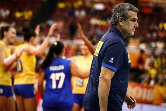 José Roberto Guimarães encara dispensas e tem dor de cabeça para montar elenco da Seleção Brasileira feminina de vôlei para as cinco competições de 2019