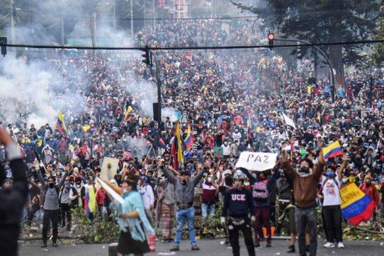 Onda de protestos em Quito no Equador, causa cancelamento de jogos da Copa Libertadores da América feminina 2019