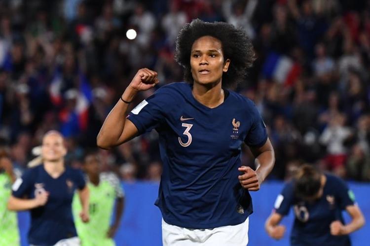 Wendie Renard, jogadora da seleção francesa de futebol feminino