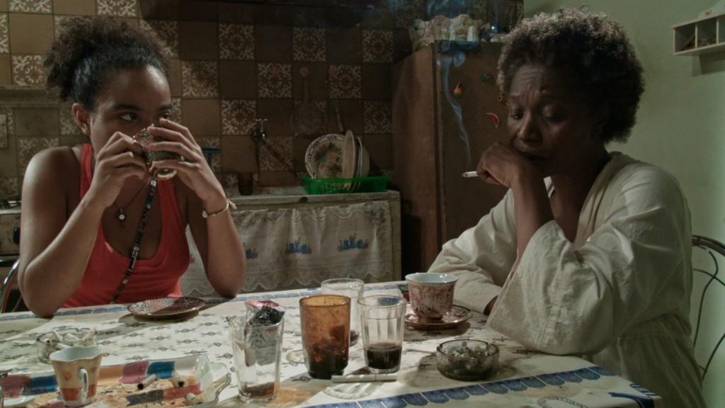 Protagonistas do longa-metragem 'Café com Canela' (Foto: Rosza Filme/Divulgação)