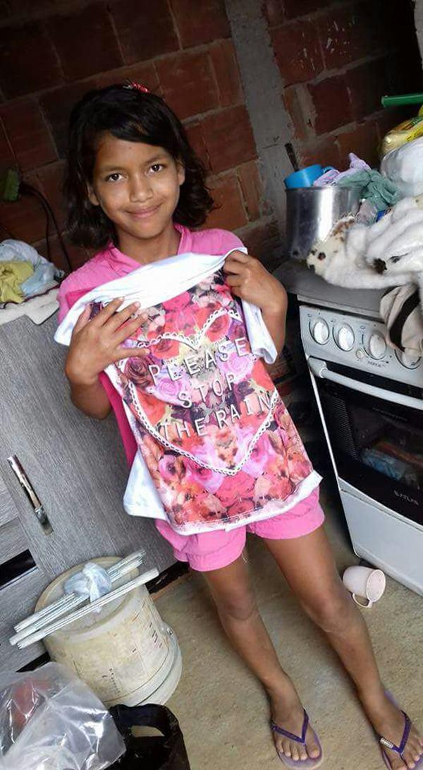 Ana Íris era uma menina sonhadora, que estudava para ter uma vida melhor, e ajudava a mãe a cuidar dos 4 irmãos menores.
