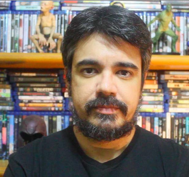 """O crítico de cinema Pablo Villaça, que tem milhares de seguidores/as nas redes sociais, é perseguido pelos haters por ser """"comunista"""". Foto: Arquivo Pessoal"""
