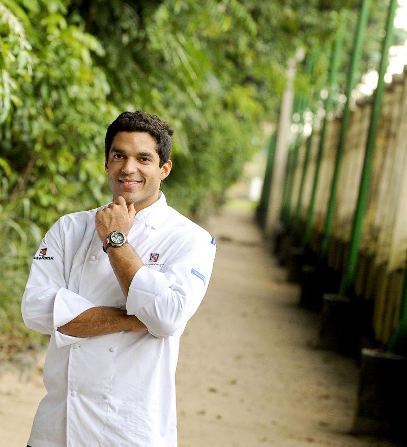 Crédito: Tadeu Brunelli/Divulgação. Chef Thiago Castanho.
