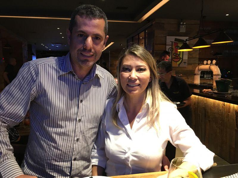 07/02/2017. Crédito: Liana Sabo/CB/D.A. Press. Brasil. Brasília - DF. Ney Robsthon e Cristiane Fumie, proprietários da Quattro Pizza Bar em Águas Claras.