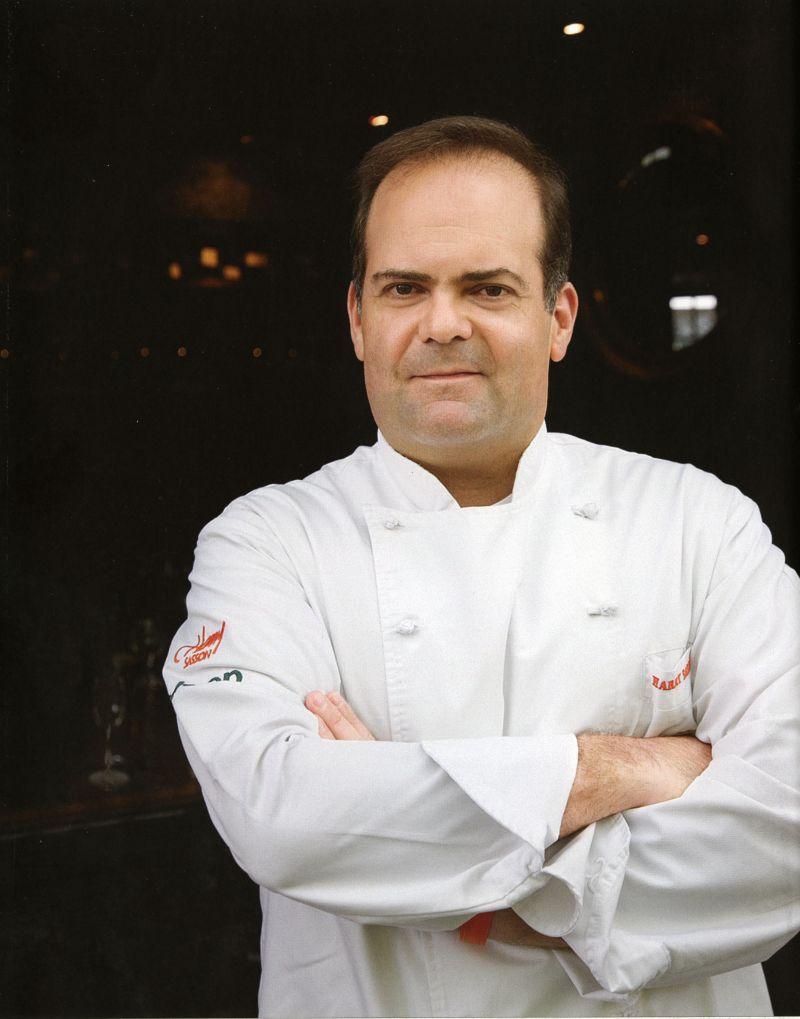 O chef Harry Sasson viaja para experimentar receitas novas