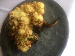 Créditos: Liana Sabo/CB/DA Press. Couve-flor assada com azeite de limão siciliano e flor de sal do restaurante Lago.