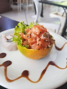 Créditos: Destak Comunicação/Divulgação. Tataki de laranja do restaurante Haná.
