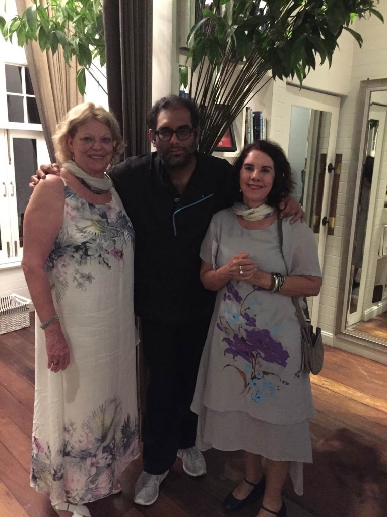 Liana Sabo, o chef Gaggan Anand e Valda Queiróz