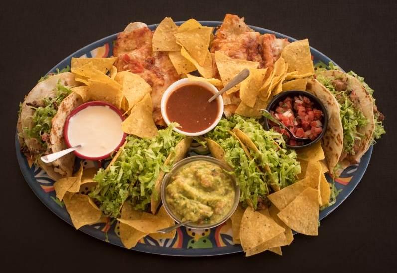 2018. Crédito: Cozumel Mex Bistro/Divulgação. O combo reúne fajitas, nachos, tacos e burrito