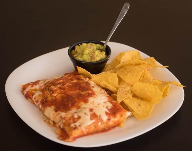 2018. Crédito: Cozumel Mex Bistro/Divulgacao. Burrito com nachos e guacamole